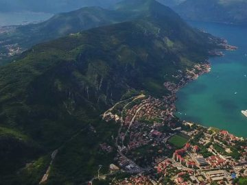 Paragliding in Kotor MOntenegro