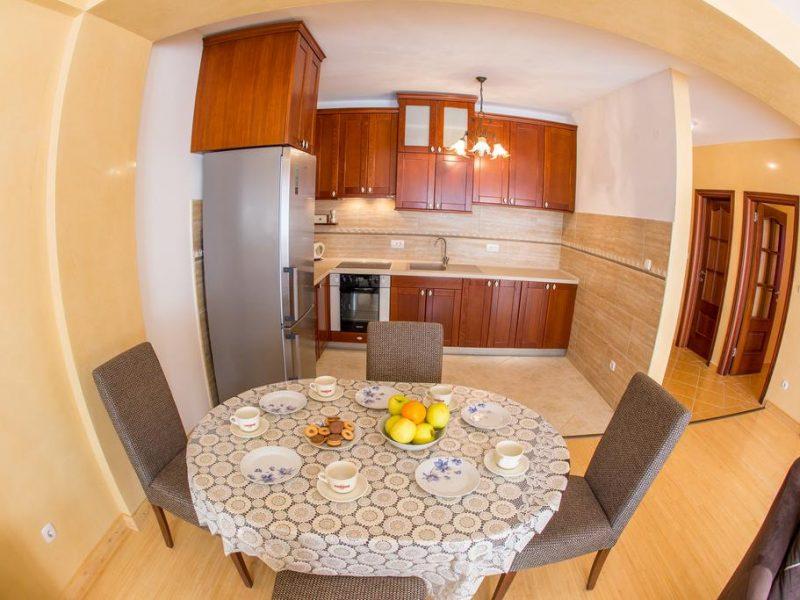 Lantana apartments petrovac letsgotomontenegro - Kitchen tables for apartments ...
