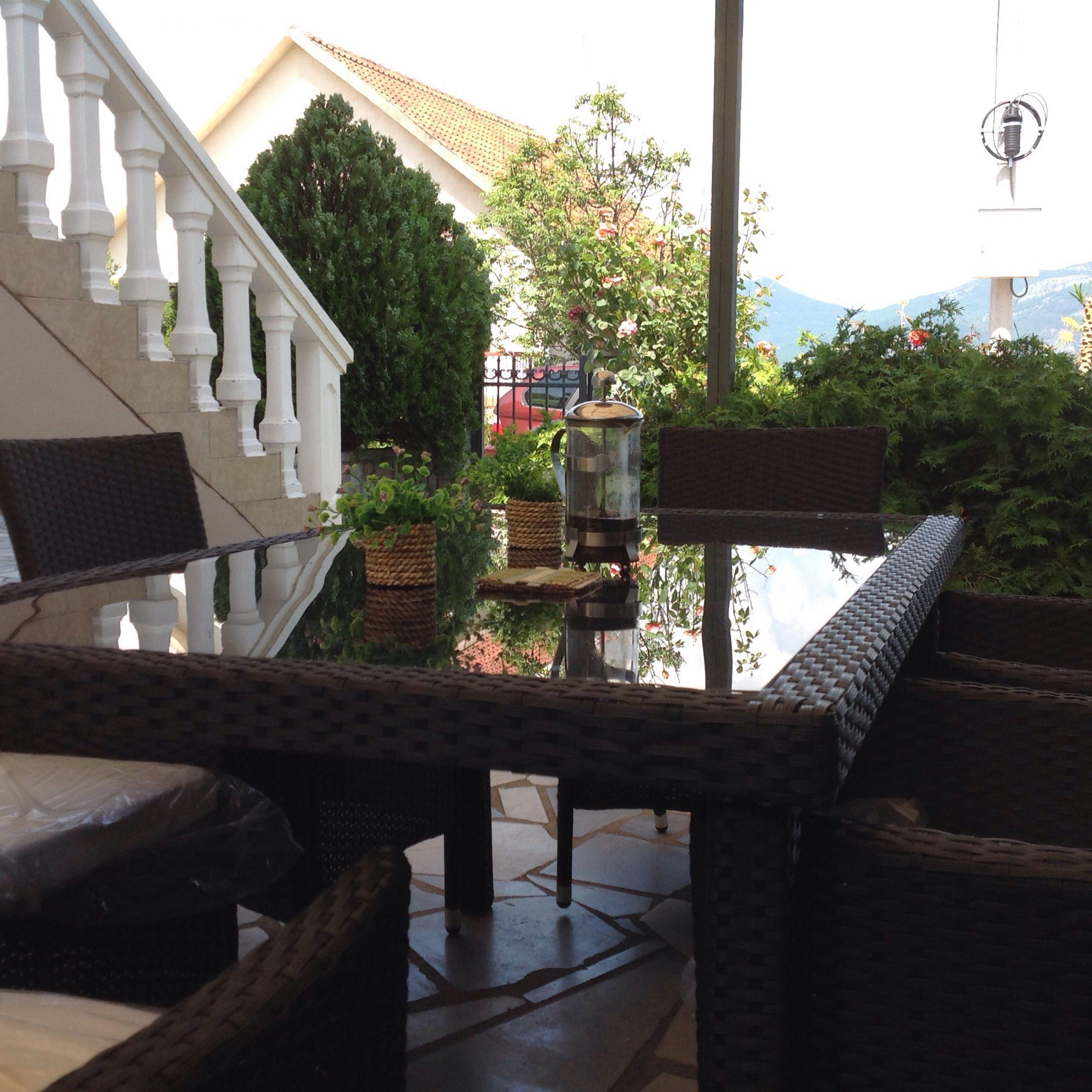 Bella Vista Apartments - Coffe terrace - Letsgotomontenegro